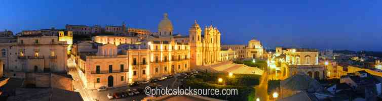 Photo of Noto Cathedral at Night